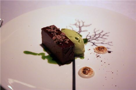 Pave of chocolate with milk puree