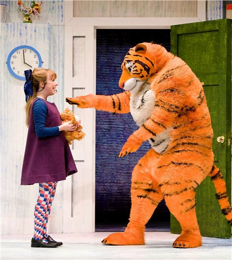 Abbey Norman as Sophie, Alan Atkins as Tige In The Tiger Who Came To Tea. Photocredit Robert Workman