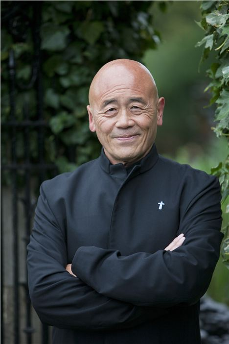 Ken Hom Vertical Portrait Sept 2010