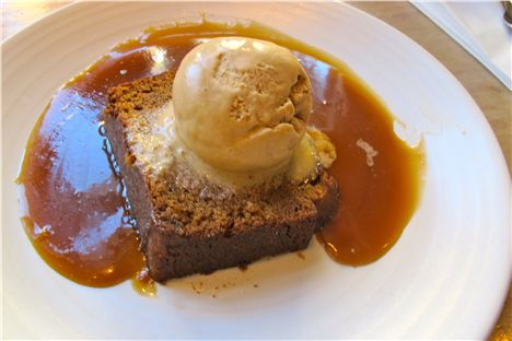 gingerbread with honey ice-cream