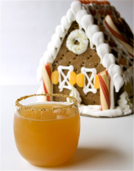 Gingerbread-Apple-Cocktail-Lg
